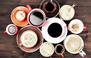 100+ olika kaffedrinkar från alla världens hörn