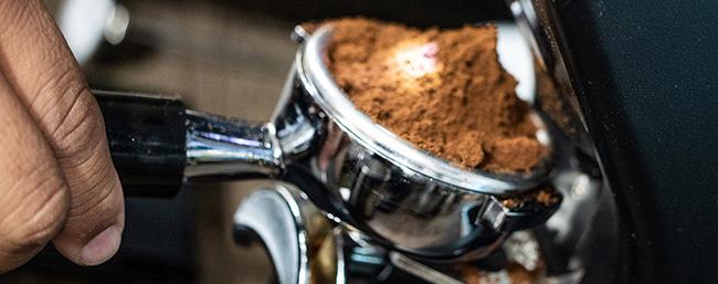 Skopa med espresso-bönor